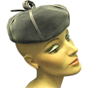 Perky Gray Velvet Tam with Concentric Circle Center