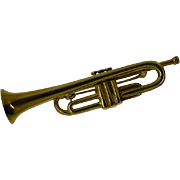 Detailed Model Trumpet Gold Brooch