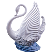 Maddux ceramic white swan TV lamp circa 1950