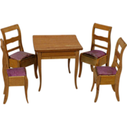 Dollhouse Breakfast Table and Chairs