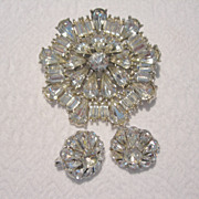 REDUCED Vintage Diamante Brooch & Trifari Clip Earrings Set