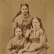 Carte De Visite-Carey Sisters With Long Hair Wearing Matching Checked Gingham Dresses