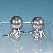 Vintage W.B. MFG. CO. / WEIDLICH BROS. Silver Plate Art Deco Salt & Pepper Shakers Leaf & Berry Design