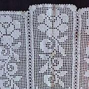 "Vintage Crochet Lace Table Doily ROSES 26"" x 18"" (c. 1950)"