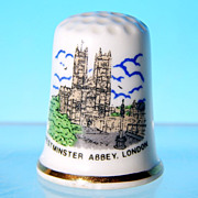 Vintage Porcelain Souvenir Thimble WESTMINSTER ABBEY, LONDON Made in England