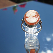 Sterling/9kt Yellow Gold  Shell Cameo Ladies Ring