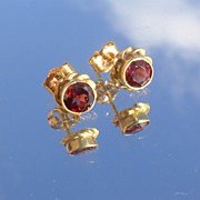 14kt Orange/Red Garnet Stud Earrings