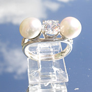 Sterling Cubic Zirconia/Freshwater Pearl Ladies Ring.
