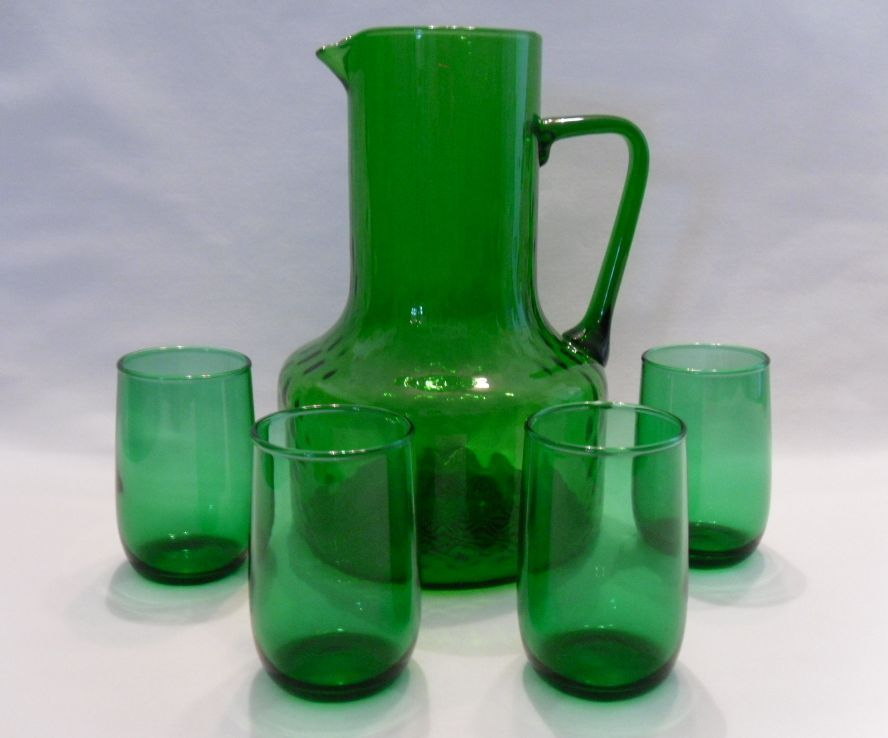 Kelly Green Eyeglass Frames : Kelly Green Juice Pitcher & 4 Glasses from sarafinas on ...