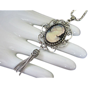 SALE Whiting & Davis Glass Cameo Pendant Necklace