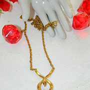 Elegant Crown Trifari Gold Tone Modernist Necklace