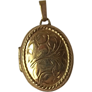 Oval 9ct Gold Engraved Locket Pendant JAM Makers Mark B'Ham 1994