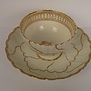 Circa 1765 Early Worcester Dr Wall Gold Queens Pattern Tea Bowl & Saucer