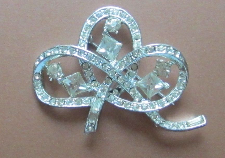 Sparking Vintage Rhinestone Brooch-Pin