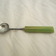 Green Bakelite Melon Ball Vintage Kitchen Utensil