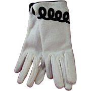 Vintage Ladies Gloves from Eastern Accessories 100% Acrylic One Size Fits All