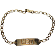 Wonderful Vintage ID bracelet with Figarucci variation chain Hallmarked with a Star