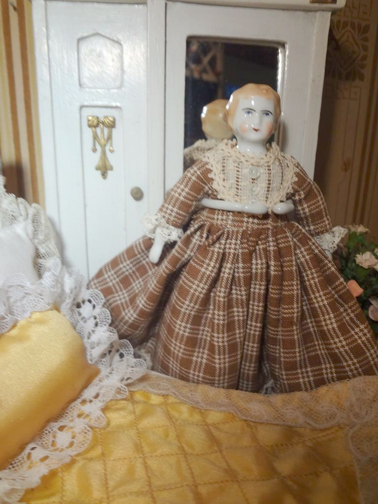 German Doll House Blonde China