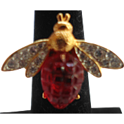 SALE KENNETH JAY LANE Carved Ruby Gripoix Crystal Bee Cocktail Ring