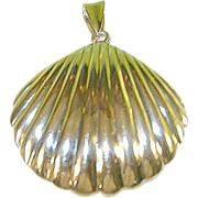 SALE Vintage Sterling Shell Pendant