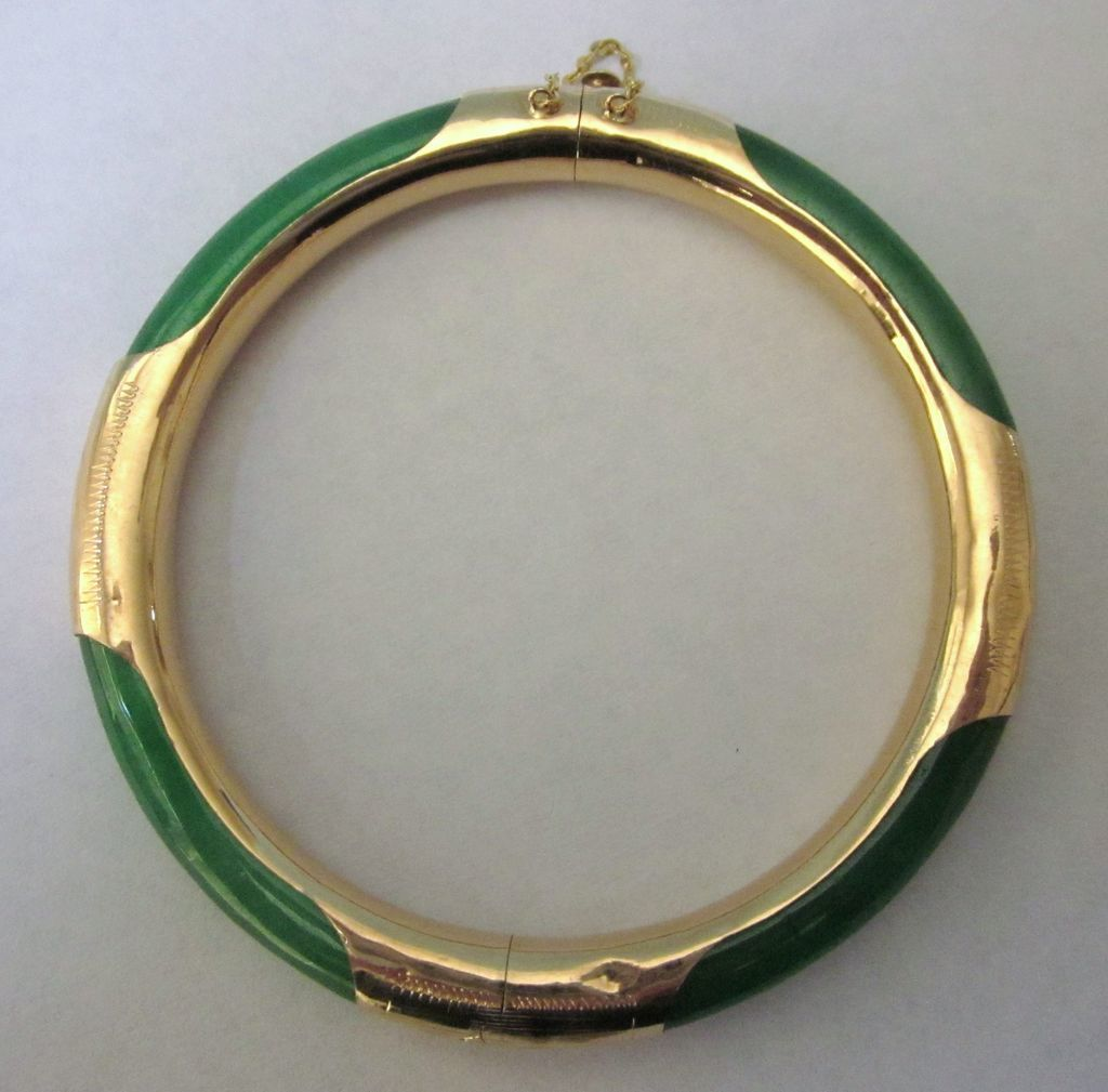 Vintage 14k Etched Gold Jade Hinged Bangle Bracelet From