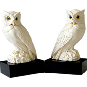 A Giannelli White Alabaster Owl Bookends Statue Pair Black Bases Golden Crown E R Italy