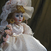 "Madame Alexander ""Flower Girl"" Portraits 9"""