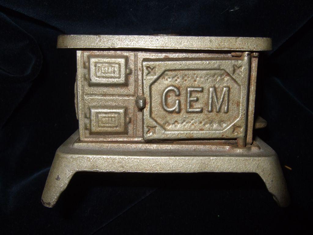 Cast Iron Doll House Gem Stove
