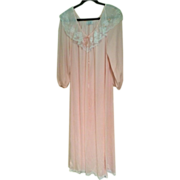 Lucie Ann Vintage Nightgown in Excellent Condition