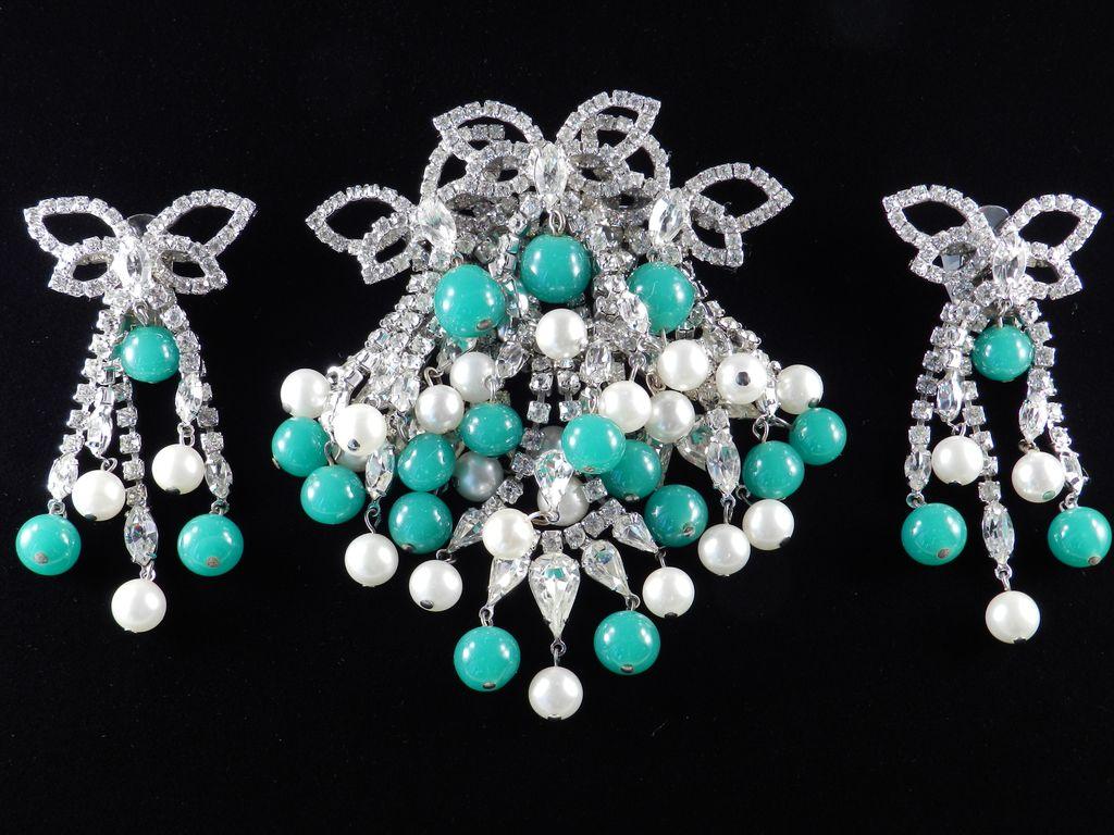 Hattie Carnegie Rhinestone Brooch Pin Earrings Demi Parure Set Peking Glass Beads & Faux Pearl Dangles