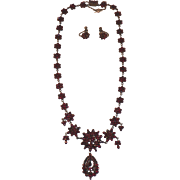 Victorian Garnet Necklace and Pair of Earrings