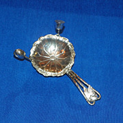 Bon Bon Scoop. Arthur & Bond Yokohama Sterling Silver. Circa 1920.