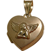 Sweet Little 10k Gold Cherub Angel Heart Locket