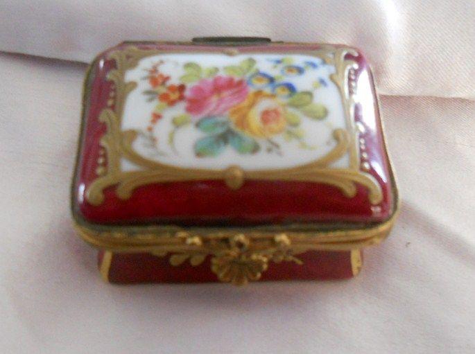 Antique French Miniature Size Hand Painted & Gilded Porcelain de Paris Burgundy Enamel Box