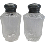 Heisey Plantation Salt and Pepper Shakers