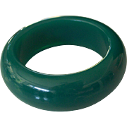 Chunky & Wide Green Lucite Plastic Bangle Bracelet