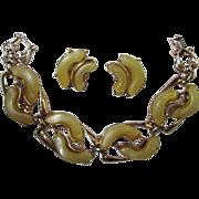 SALE Wonderful Mellow Yellow Thermoset Bracelet and Earrings Demi Set
