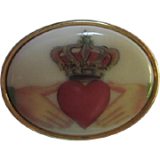 SALE Vintage Classic Oval Heart Claddagh Pin