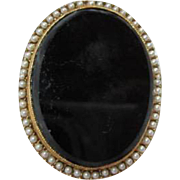 SALE Vintage Onyx Glass Oval surrounded by fx Seed Pearls Brooch/Pin