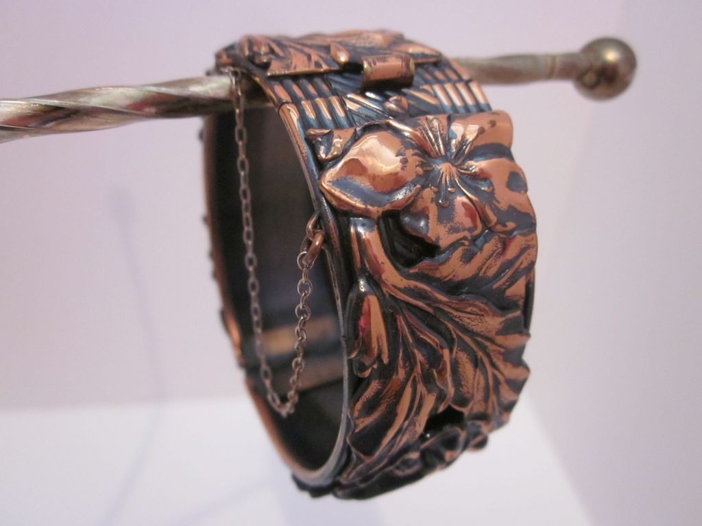 Very Pretty Flower & Leaf Copper Bracelet