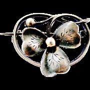 Pretty French art nouveau 800-900 silver brooch