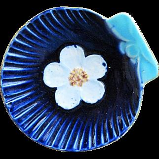 Antique English Majolica Butter Pat Shell