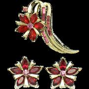 SALE Early CORO Rhinestone Baguette Textured Gold Plated Flower Brooch Earring SET