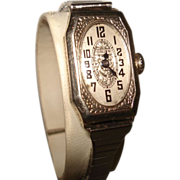 14 KT White Gold Art Deco Gruen Ladies Etched Wristwatch