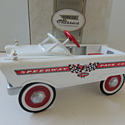 Hallmark Kiddie Car Classic Murray Pedal Car