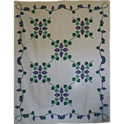 Quilt ~Martha's Vineyard ~Applique  Grapevines ~ Beautiful!