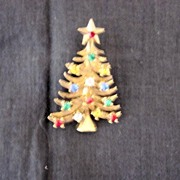 Eisenberg Ice Gold Metal And Stones Christmas Tree Brooch