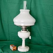 Vintage Alladin Lincoln Drape Alacite Oil Lamp With Shade
