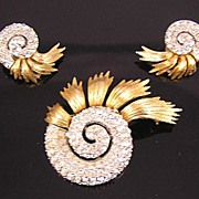 SALE Ledo 1950's-60's Rhinestone Nautilus Brooch & Earrings