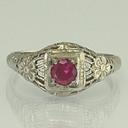 Vintage Art Deco Synthetic Ruby 18k White Gold Flower Filigree Ring
